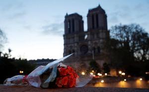Leoneses en París: «Notre Dame ardiendo y, de fondo, la Torre Eiffel centelleando. Fue sobrecogedor y terrible»