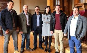 Cendón defiende una «sanidad pública, de calidad y universal» frente al modelo del PP