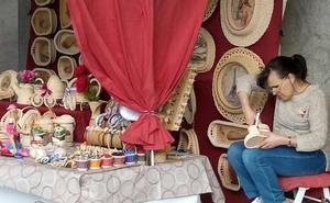 El VI Mercado de Artesanía amplía la oferta cultural de Ponferrada de cara a la Semana Santa