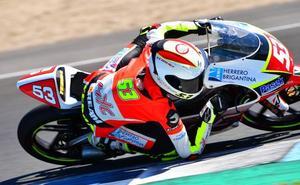 Héctor Yebra sube al podio en Jerez