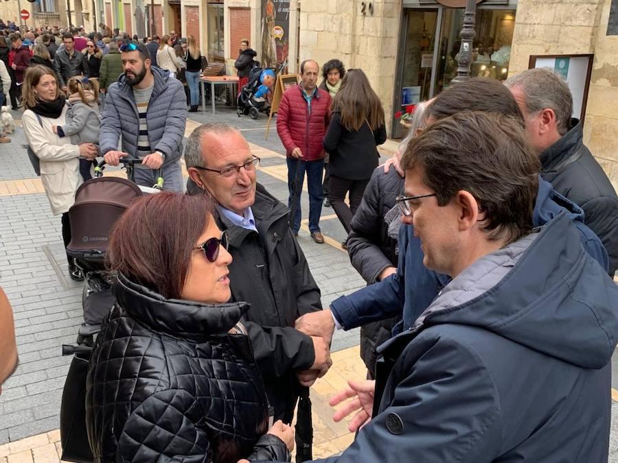 Mañueco visita la Semana Santa de León