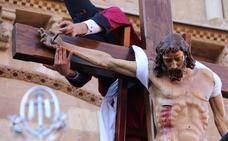 El Acto del Desenclavo llena de emoción la plaza de San Isidoro