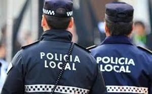 Dos detenidos, uno de ellos menor, por robar en los coches aparcados cerca de la estación de autobuses de Ponferrada