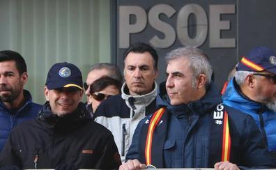 Jusapol 'planta' cara al PSOE para denunciar el bloqueo a la equiparación salarial de Sánchez