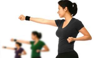 Medio centenar de mujeres participan en Villaquilambre en el curso de Autoprotección y Defensa Personal