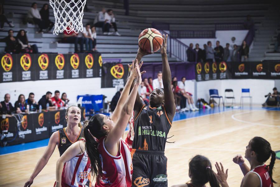 Las imágenes del partido entre el Almería 64-58 Patatas Hijolusa