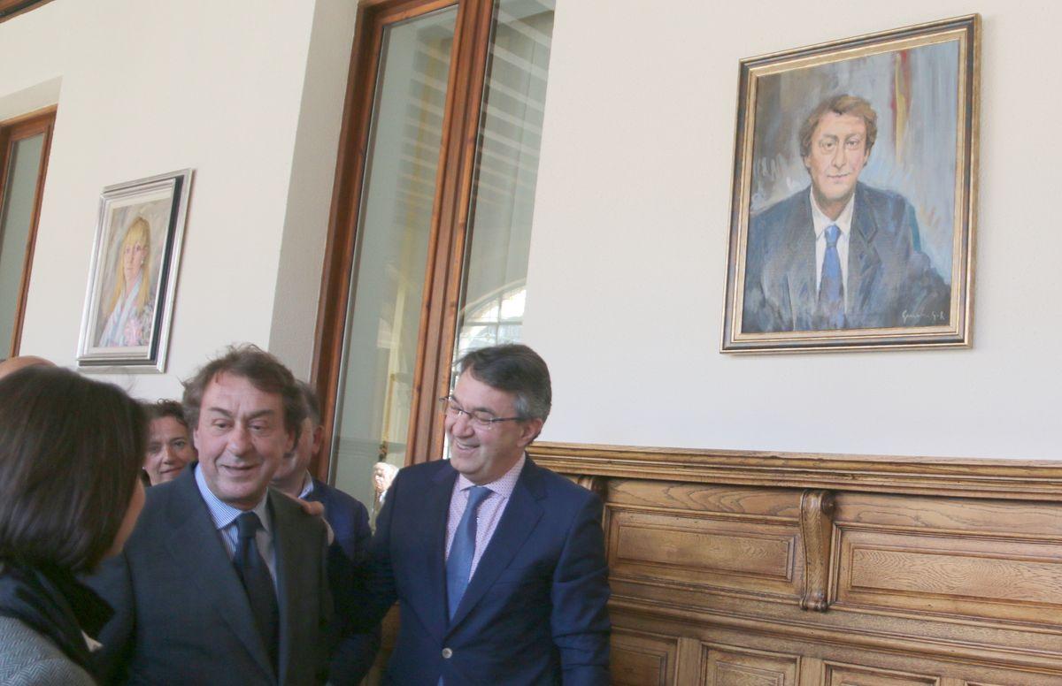 El retrato de García Prieto ya ocupa su lugar en la Diputación