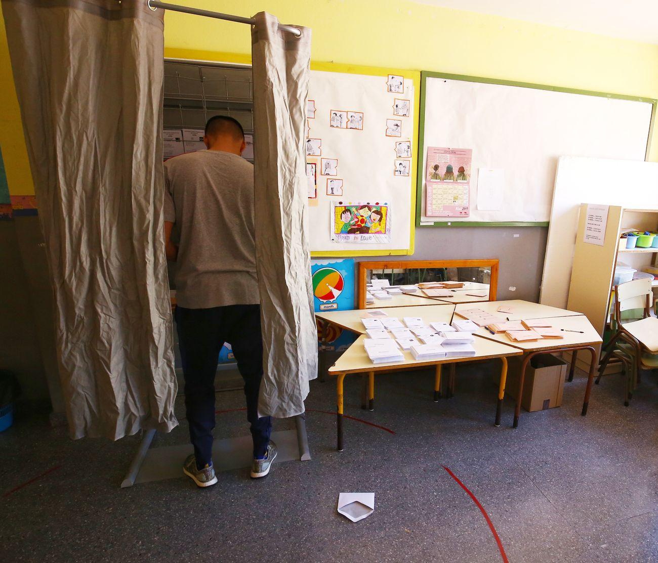 León vota