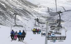 Las estaciones de esquí de León reciben más de 2.500 visitantes en el último fin de semana de la temporada
