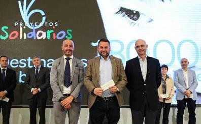 Carrefour y su Fundación donan 30.000 euros a Autismo León a favor de la infancia con autismo de la provincia