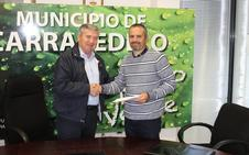 Carracedelo y la Asociación Berciana de Agricultores renuevan su convenio para luchar contra la psila del peral