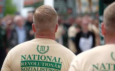 Estupor en Alemania por un desfile de neonazis uniformados en este del país