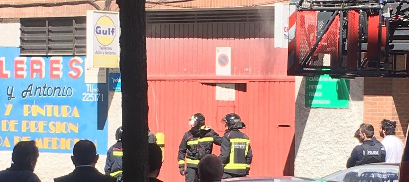 Incendio en un taller mecánico