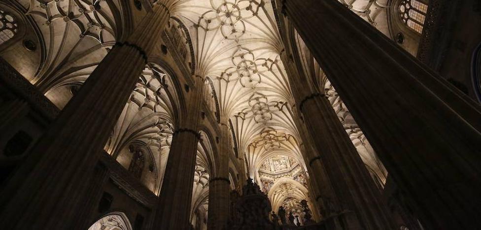 La Catedral de Salamanca creará un plan de salvaguarda de sus imágenes ante posibles incendios
