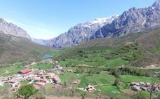 Valdeón alega al PRUG de Picos para pedir un refugio en Vega Huerta, abrir el camino a Fuente Dé y la explotación de las cuevas para crear una ruta de espeleología