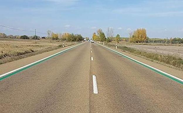 ¿Por qué la DGT está pintando líneas verdes en las carreteras?
