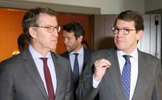 Herrera y Feijóo cierran filas con Fernández Mañueco como aspirante a la Presidencia de la Junta