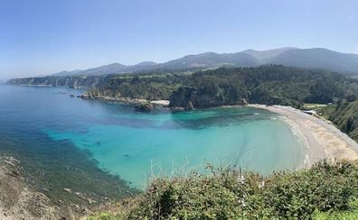 A qué playa ir este verano: las 12 playas asturianas que lucirán de nuevo sus 'banderas azules'