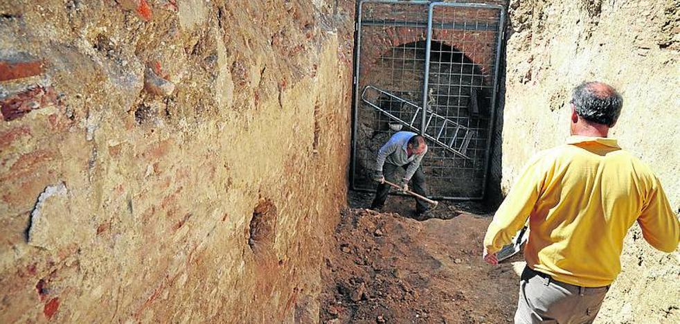 La ARMH constata la existencia de restos humanos en una bodega de Medina