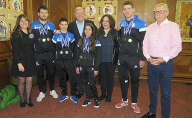 La selección de lucha leonesa y sus 23 medallas en el Europeo reflejan su «buena salud»