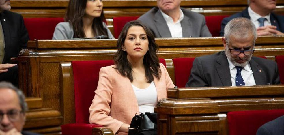Inés Arrimadas se despide de sus enemigos íntimos