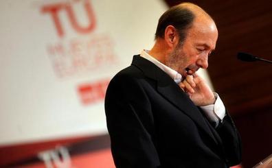 La familia socialista se vuelca con Rubalcaba, que continúa en estado crítico