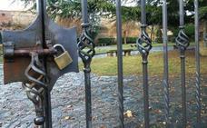 El fuerte viento obliga a cerrar los parques de León capital