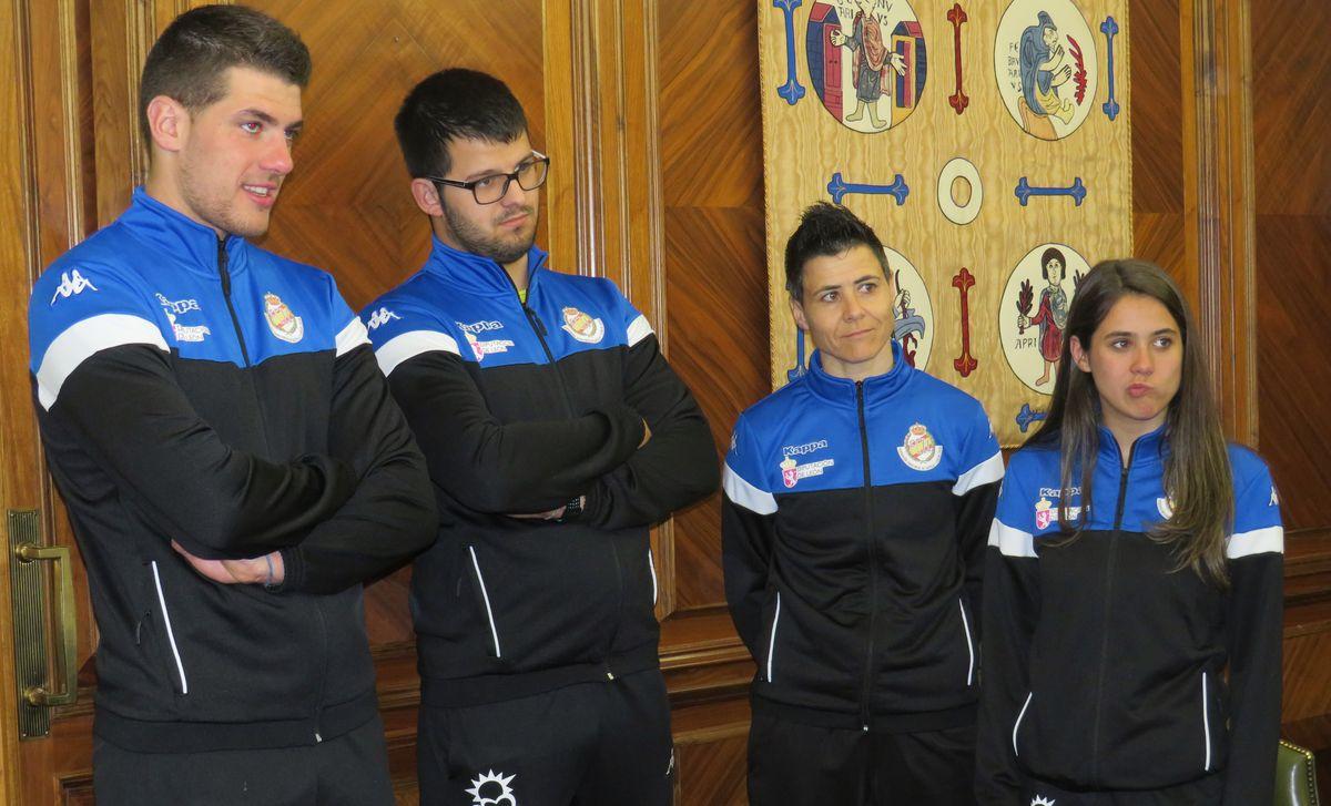 Recepción en el Ayuntamiento de León a la selección de lucha leonesa