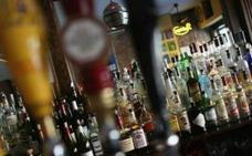 El dueño de un pub del Húmedo se enfrenta a pena prisión por empujar a una clienta y alega que estaba borracha