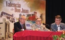 'Callejero de Valencia de Don Juan' una obra de lectura y consulta para recorrer el municipio calle a calle