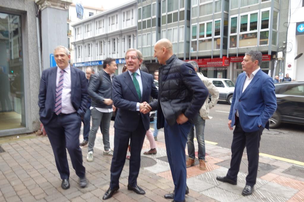 José Antonio Diez se reúne con las asociaciones empresariales de León
