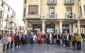 Diez destaca el «equilibrio, coherencia y experiencia» del equipo «llamado a cambiar León»