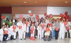 El Hospital de León se llena de besos