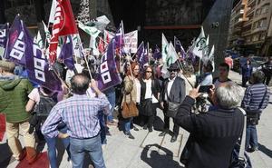El comité de huelga de los buses urbanos de León carga contra el Ayuntamiento por considerar «ajeno» el conflicto