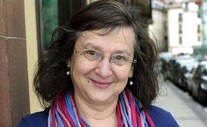 La escritora argentino-española Clara Obligado reflexiona sobre la estructura y forma de los relatos en la Feria del Libro de León