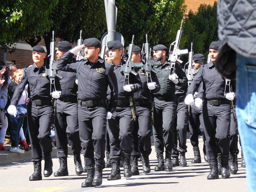 ¡Viva honrada la Guardia Civil!