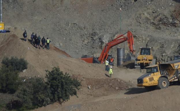 La Audiencia de Málaga rechaza investigar si Julen murió durante las labores de rescate