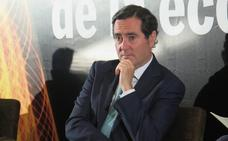 El presidente de la CEOE afirma en León que el control del horario laboral «es matar moscas a cañonazos»