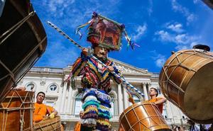 La Diputación participa en el desfile de la XIV edición del Festival Internacional de la Máscara Ibérica