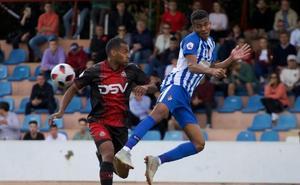 Un 'triplete' de Jorge García dispara a la Ponferradina al segundo puesto
