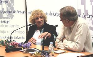 Elena Santiago descubre en Veguellina su guiño a Cervantes con su nueva novela 'Los delirios de Andrea'