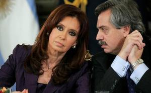 Cristina Fernández se sienta en el banquillo