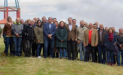 Zapatero arropa a los candidatos del PSOE para los municipios de La Cepeda