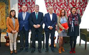 Los candidatos cierran filas en torno al comercio tradicional y abogan impulsar el 'León, ciudad de compras'