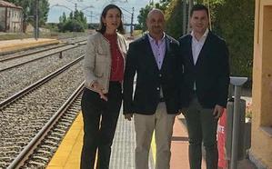 Reyes Maroto respalda la candidatura del PSOE en Villadangos