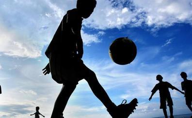 Fallece un árbitro que dirigía un partido de fútbol en Bolivia