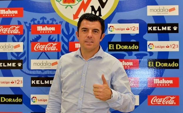 Luis Cembranos pone fin a su etapa como entrenador del Rayo B