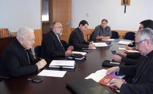 Los obispos de la Provincia Eclesiástica de Oviedo fijan en León un encuentro bienal para «animar la labor de las comunidades religiosas»