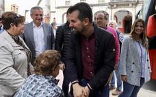 Tudanca compromete 2.000 nuevas plazas residenciales y financiación para ayuntamientos y diputaciones