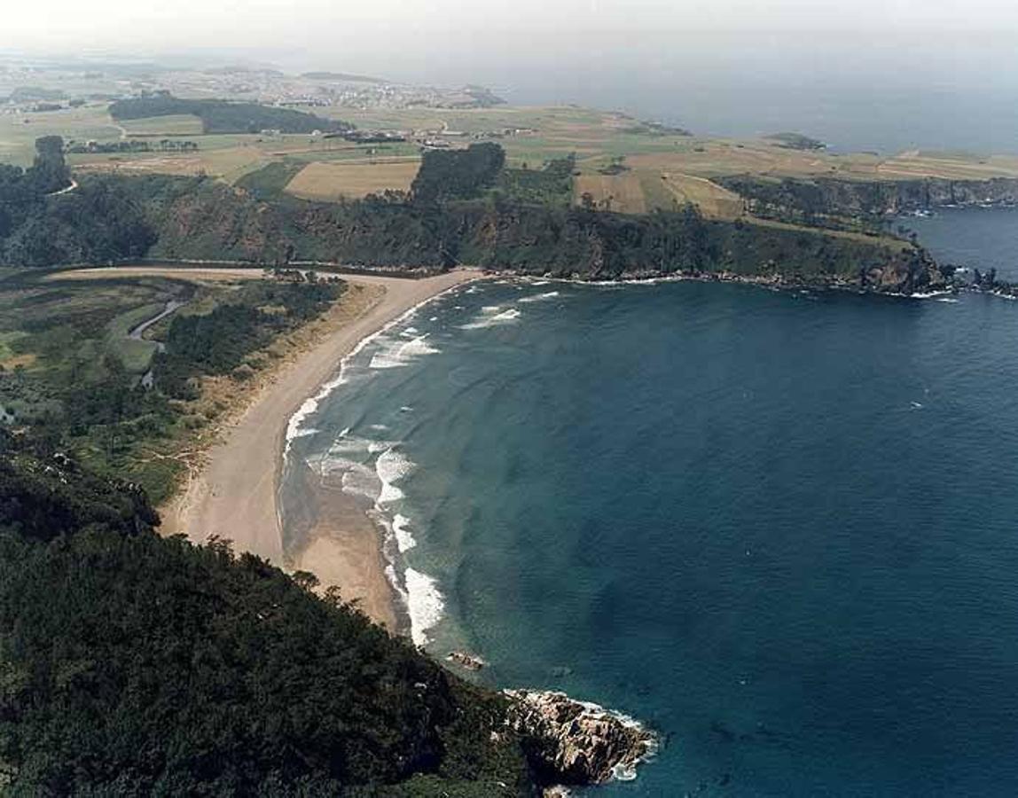 Las 10 mejores playas nudistas de Asturias